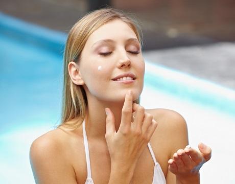 効果的な日焼け止めの塗り方で紫外線から確実に肌を守る!