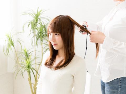 スタイリング剤でもっとキレイに!アイロンでなりたい髪を作る