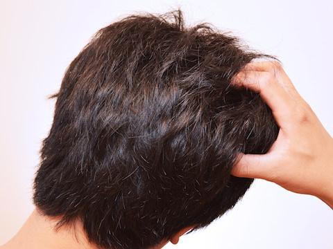 髪質よりも髪型が大事!くせ毛メンズに最適な髪型は?