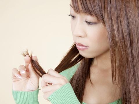 治るの?枝毛・切れ毛の対処法