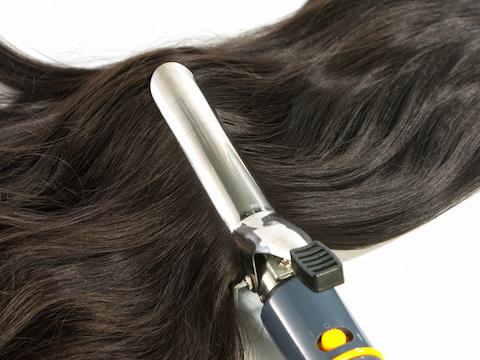 黒髪パーマが大人可愛い!ミディアムさん向けヘアスタイル
