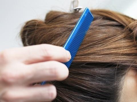 白髪染めってめんどう。白髪を隠す手段と方法って?