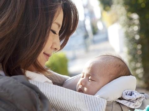 出産して髪質が変わったかも?産後に髪質が変わる原因とは?